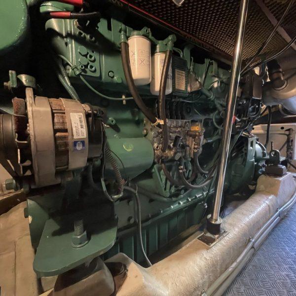 Motor Astondoa 52