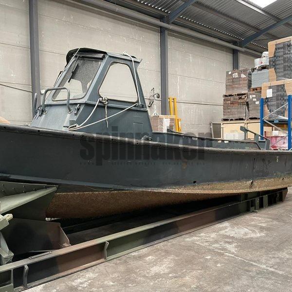 Barco militar de trabajo