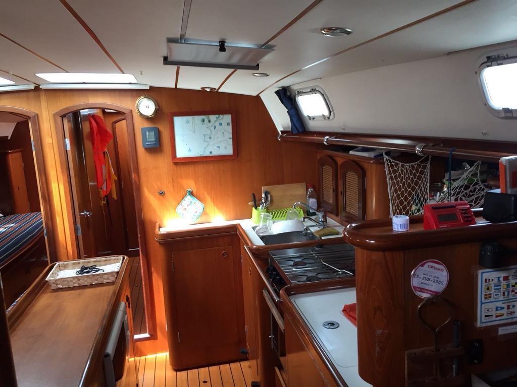 Navegar por la costa Valenciana, NÁUTICA SPINNAKER EFECTOS NAVALES