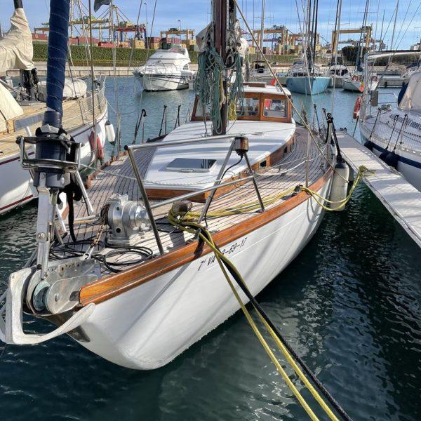 barco de madera clásico en venta