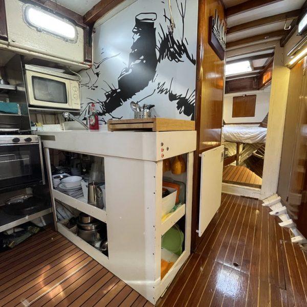 barco de madera clasico